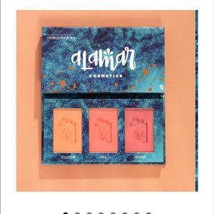 BNWT Alamar cosmetics blush trio